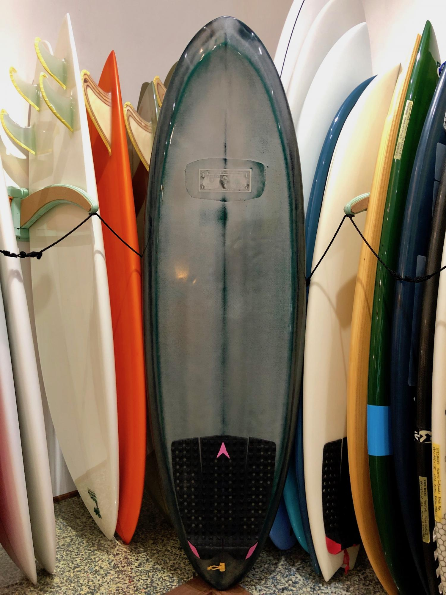 USED BOARDS (McCallum Surfboards Pinnacle Egg 5.7)