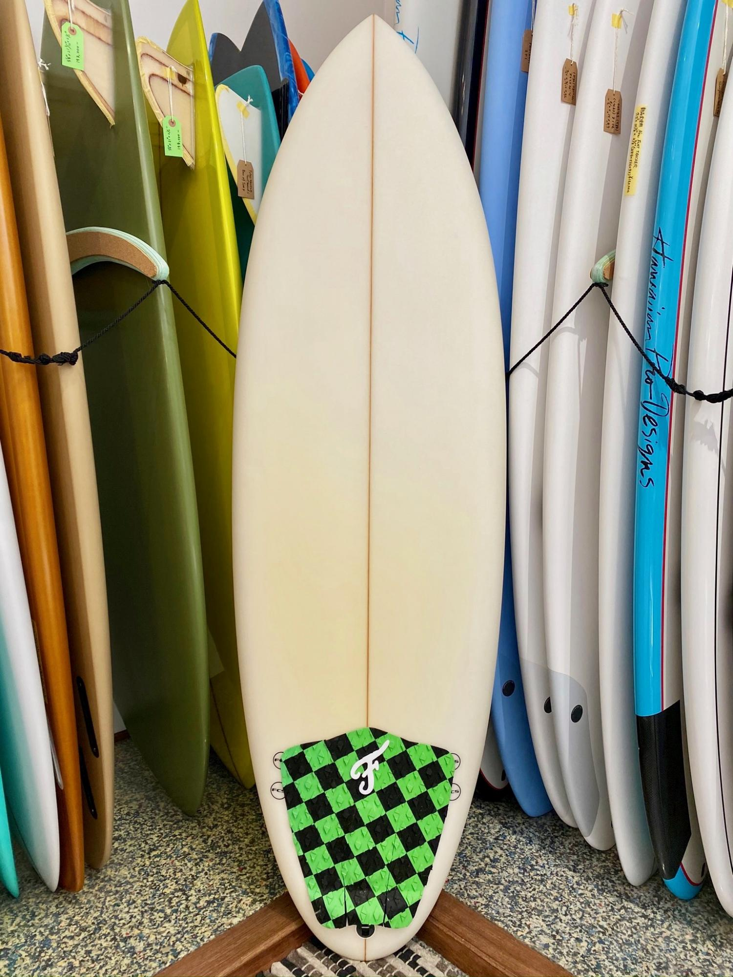 USED BOARDS (JOSH HALL Surfboards Personal 8.8)
