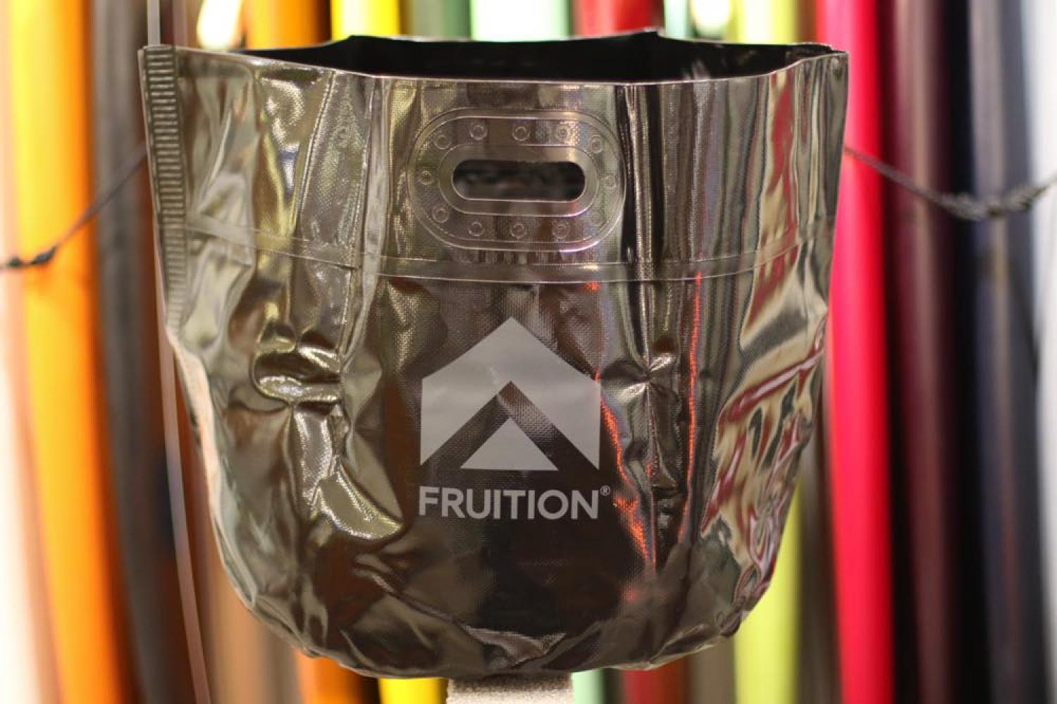 FRUITION WATAER PROOF BLACK