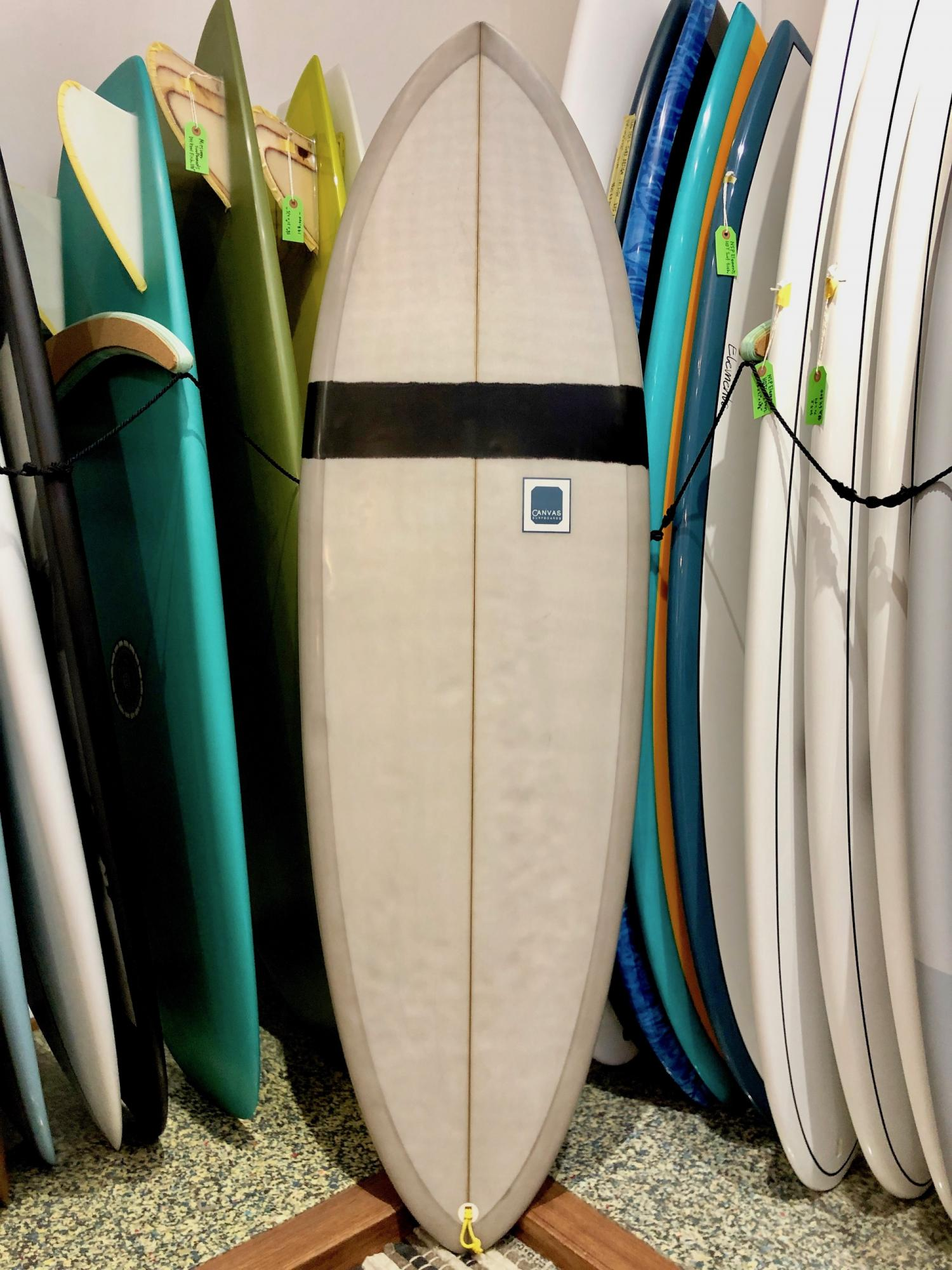 商談中 USED BOARDS (CANVAS SURFBOARDS Flow 5.6)