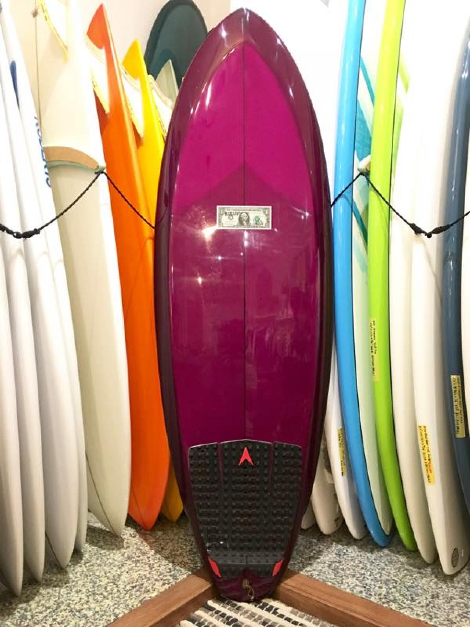 USED BOARDS (McCallum Surfboards De La Soul 5.6)