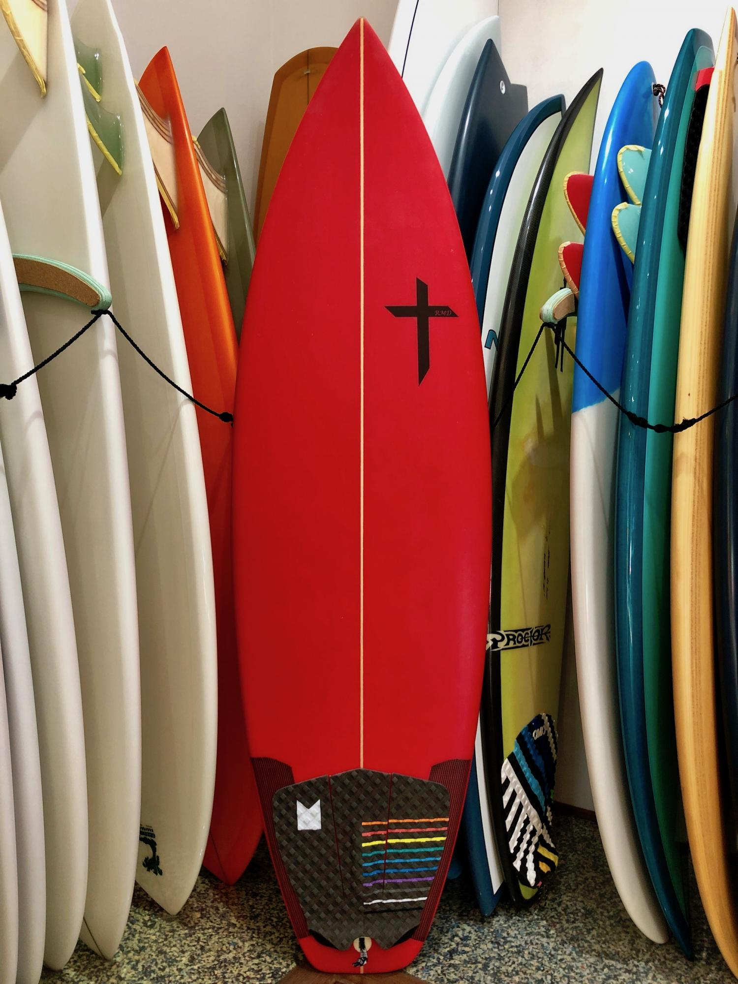 USED BOARDS( RMD SURFBOARDS 5.6 )