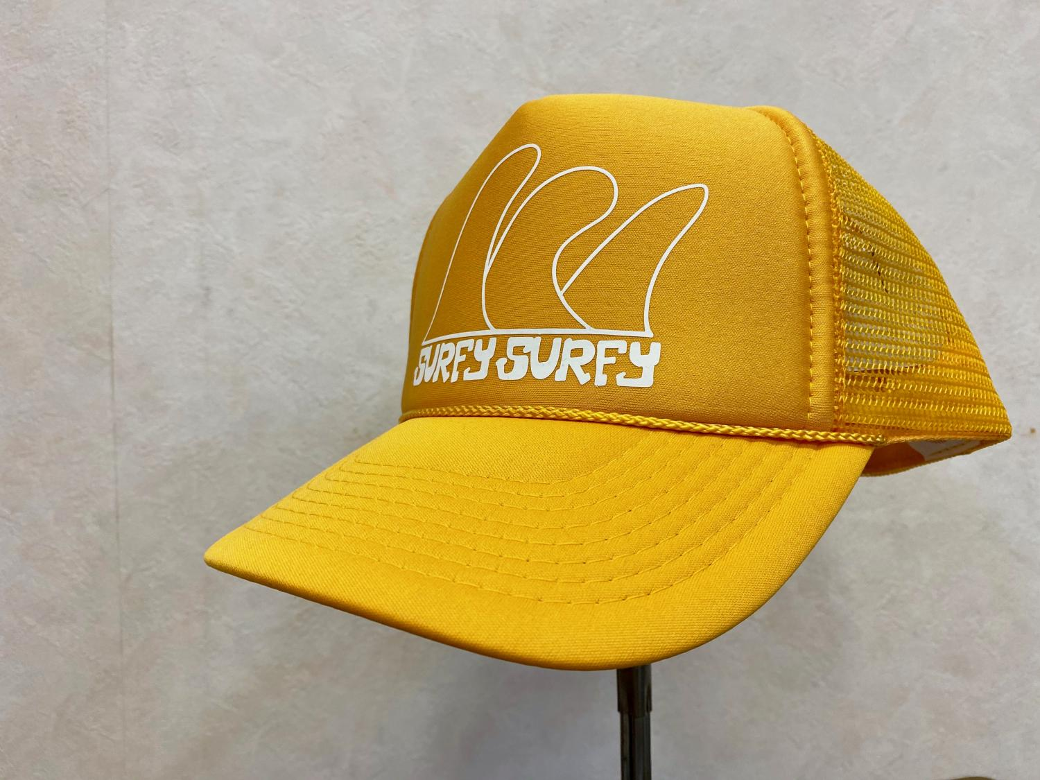Surfy Surfy Fin Design TRUCKER HAT