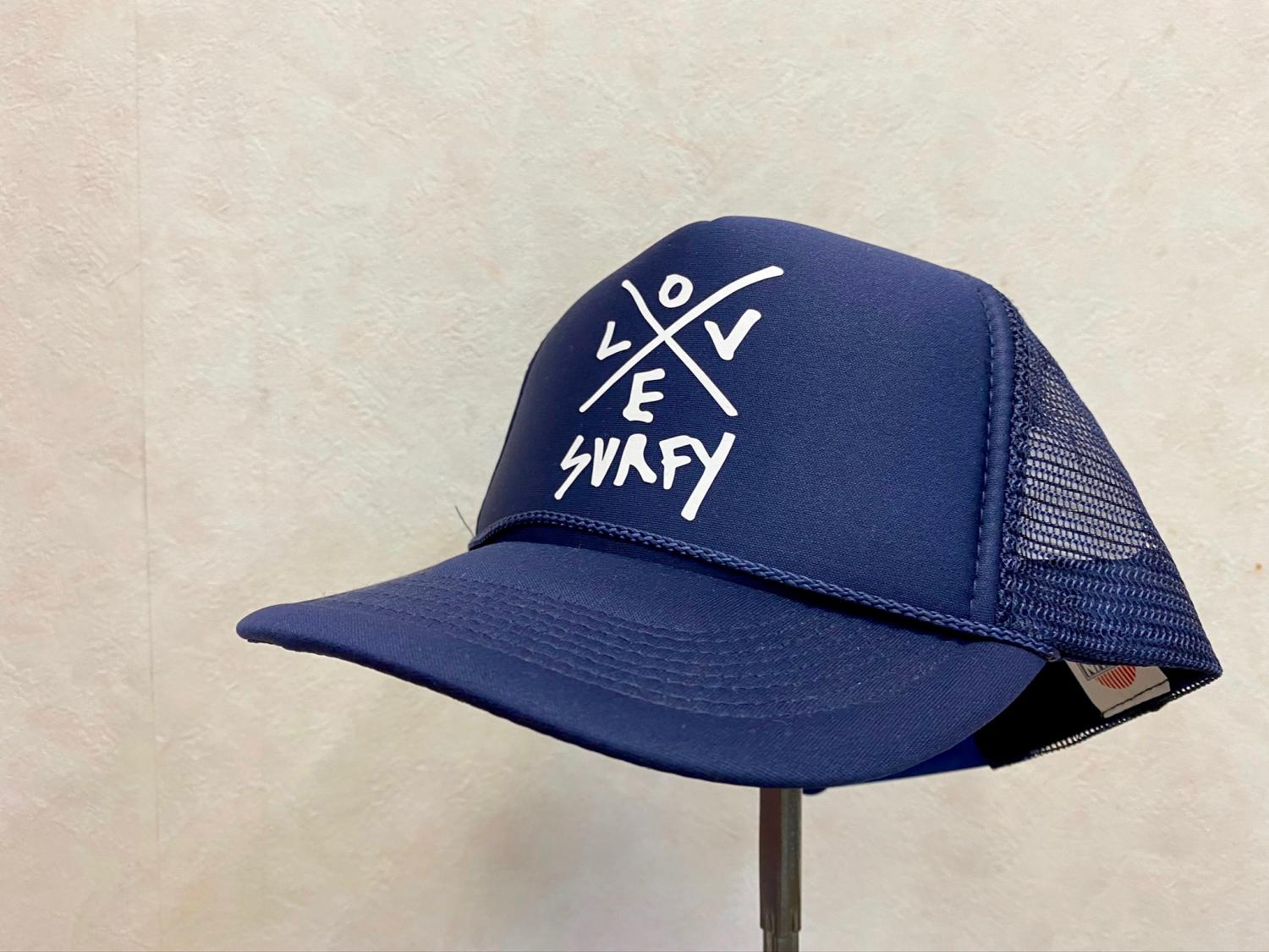 LOVE Surfy Design TRUCKER HAT