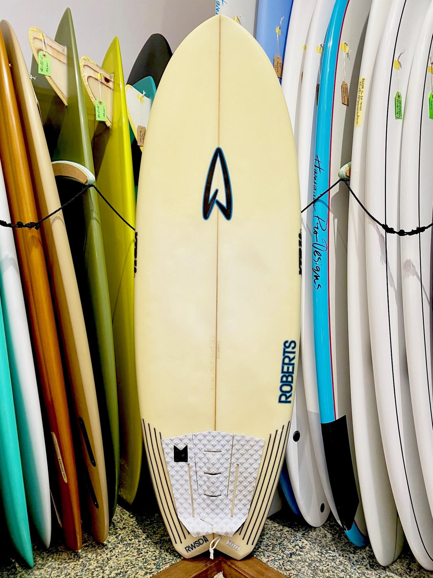 USED BOARDS ( Roberts Mush Machine 5.5 Twin )