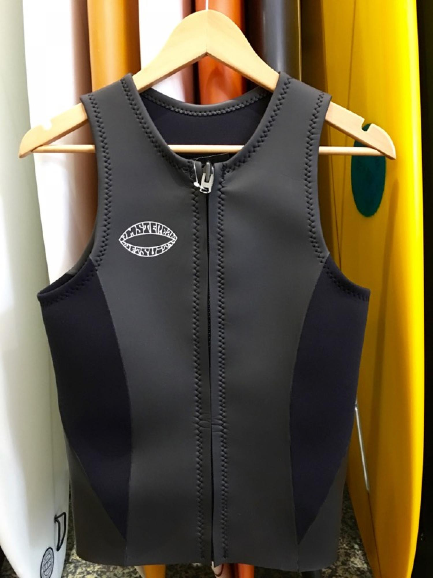 [AMSTERDAM] COST PERFORMANCE MODEL VEST