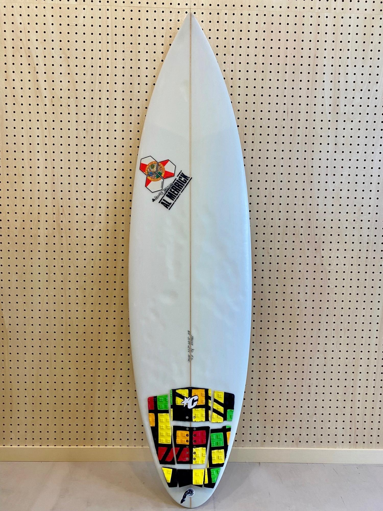 USED BOARDS (Channel Islands New Flyer  5.11)
