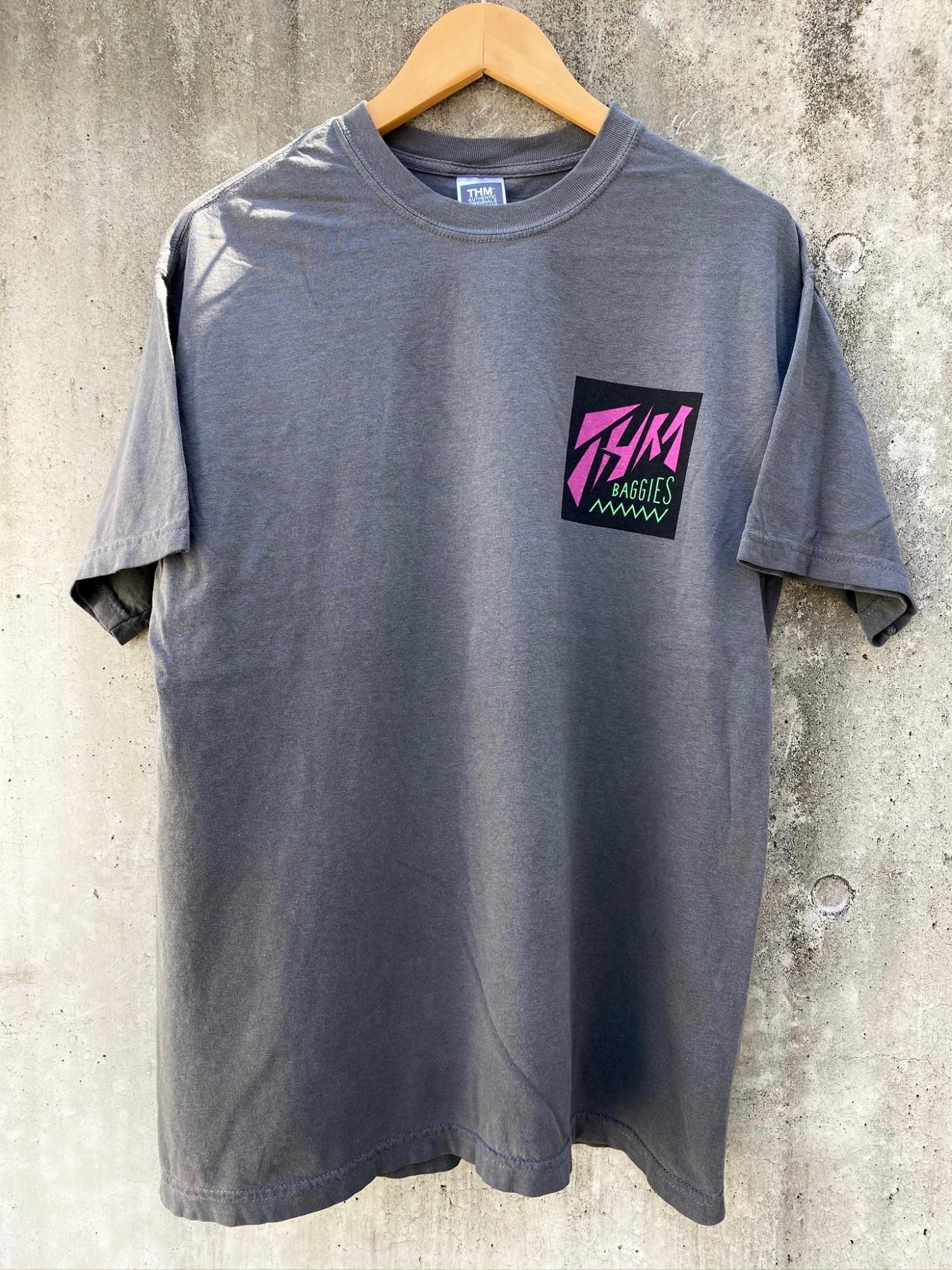 [THE HARD MAN] THM BAGGIES S/S tee チャコール