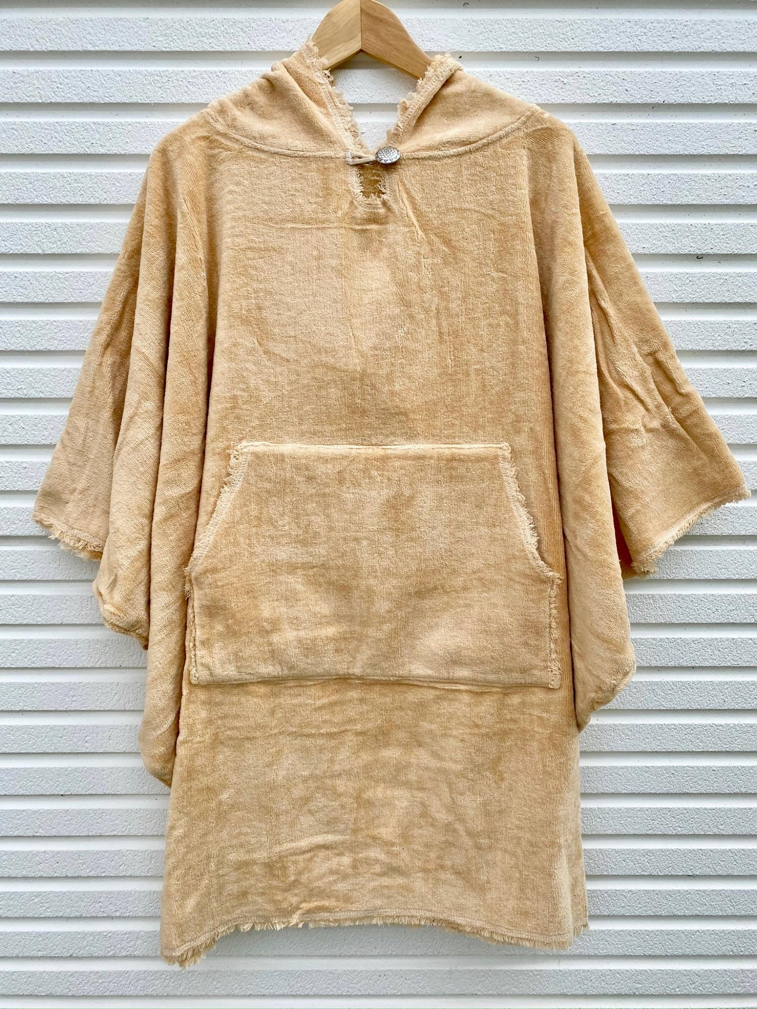 SEA OF LOTUS PONCHO Rin BEIGE